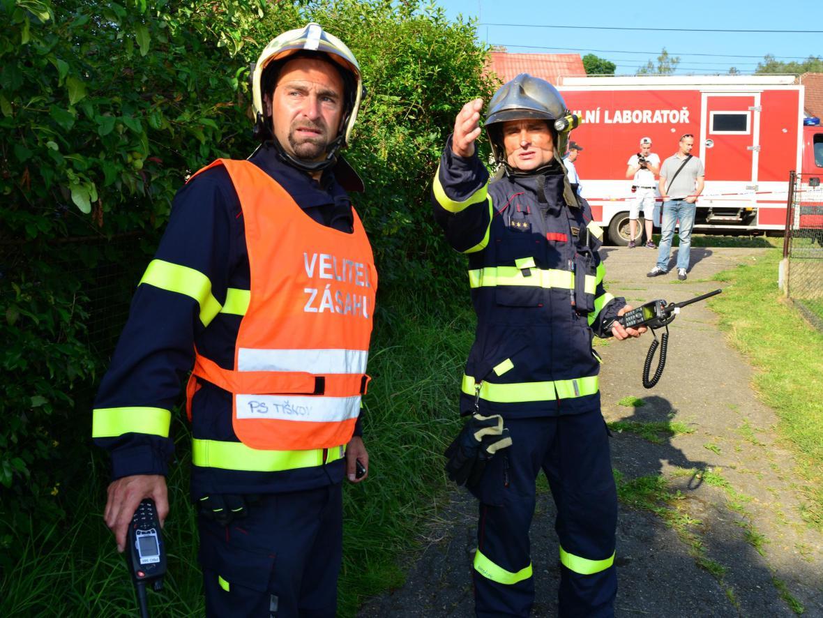 V rodinném domě objevili hasiči až 4 tuny chemikálií