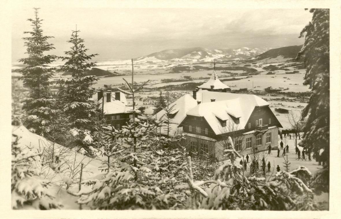 Dobové fotografie chaty na Ondřejníku