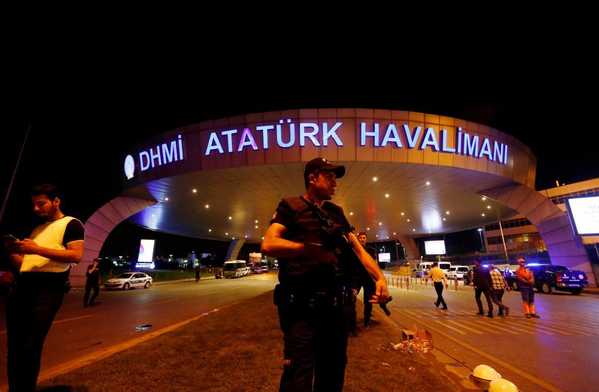 Útok na Atatürkově letišti