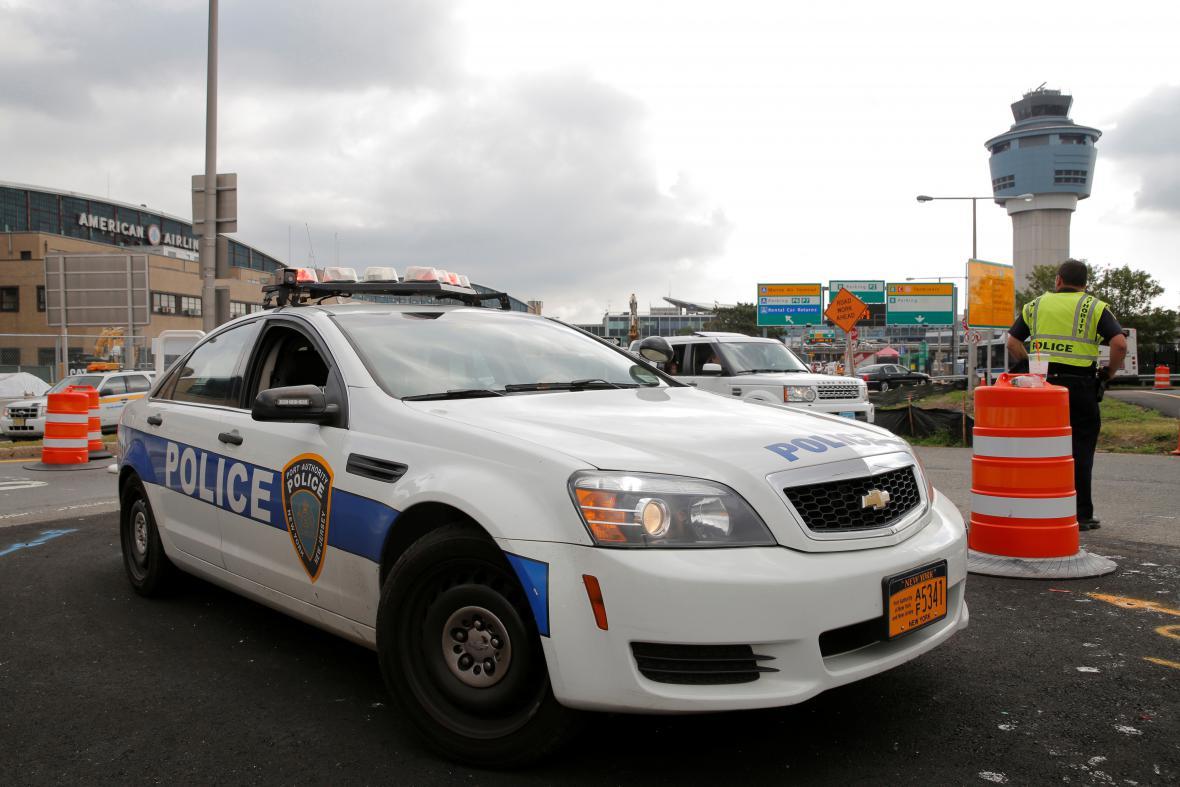 Policejní ostraha na základně Andrews