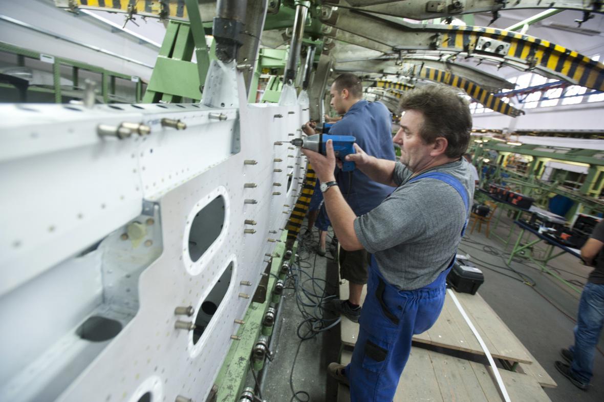 Letecká společnost v Kunovicích má práci jen pro polovinu zaměstnanců