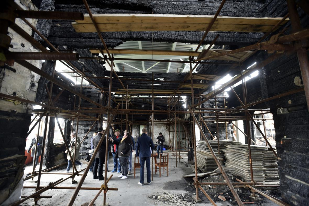 Současná podoba vyhořelé chaty Libušín