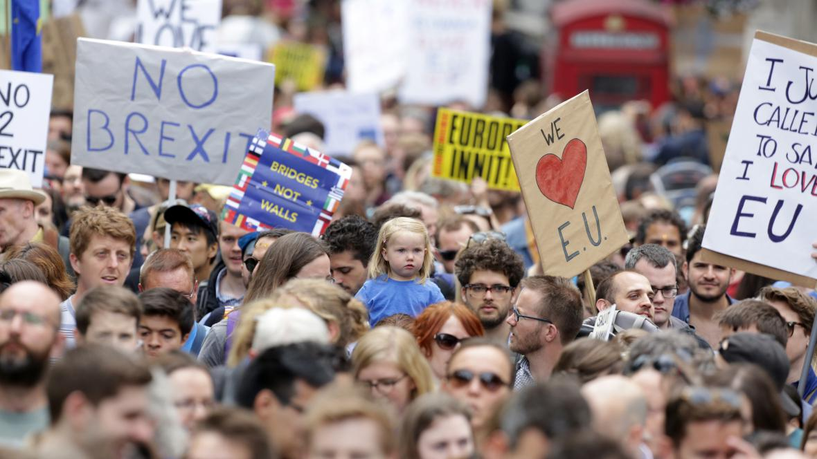 Londýnská demonstrace za setrvání v Británie v EU