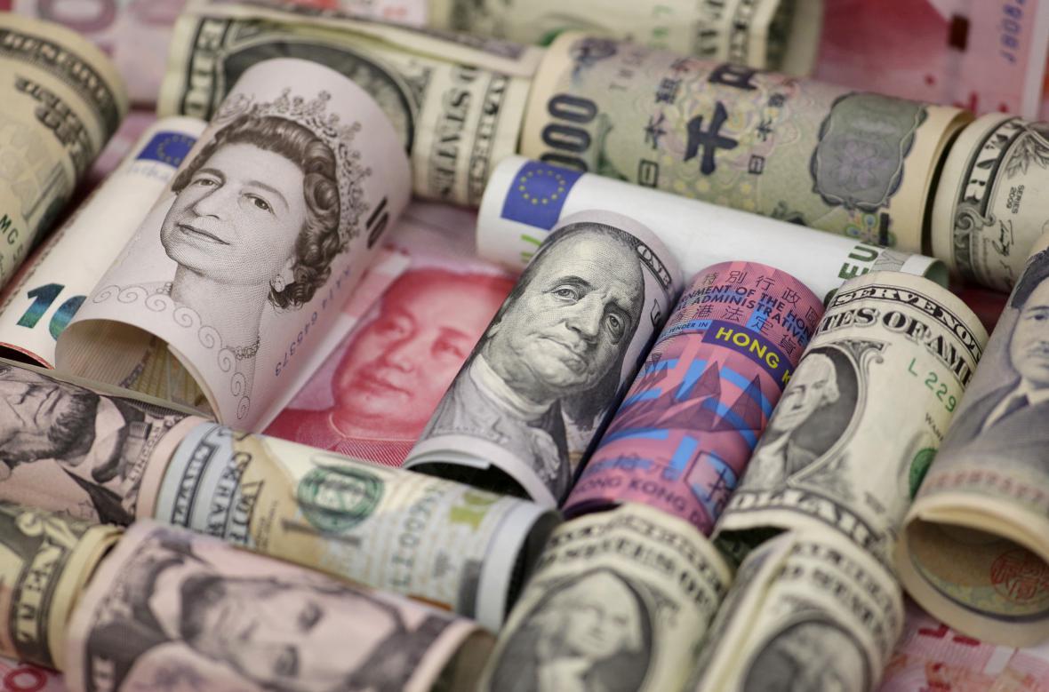 Britská libra a další významné světové měny