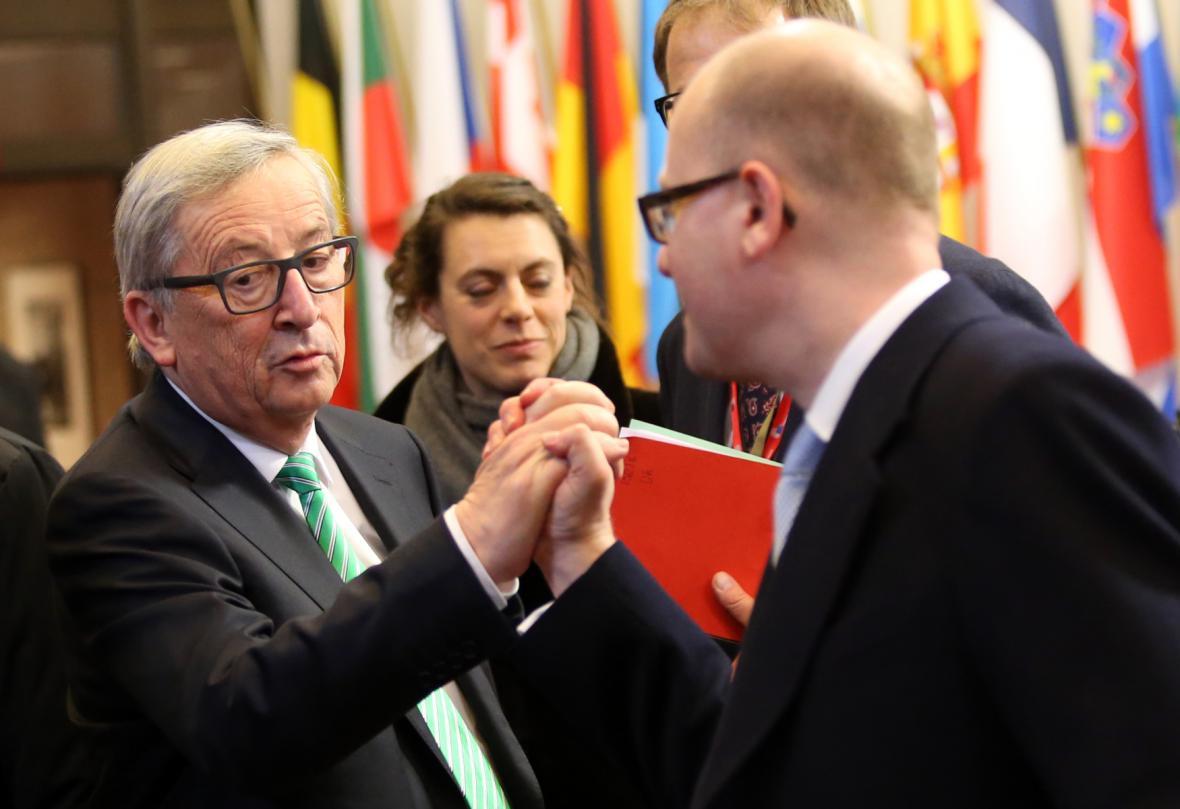 Bohuslav Sobotka a Jean-Claude Juncker