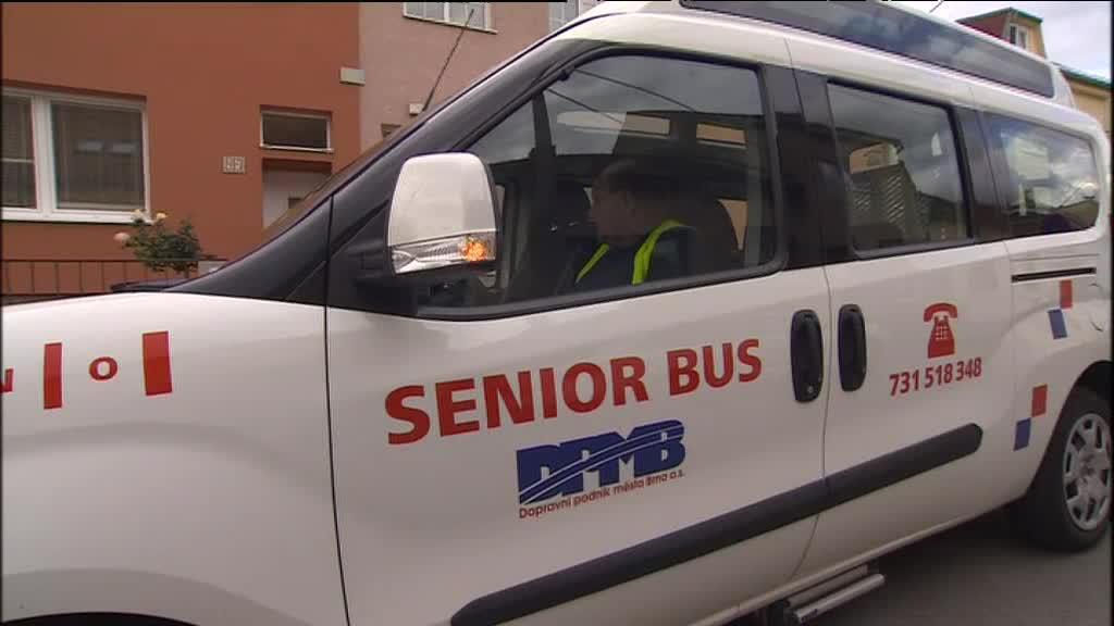 Seniorbusy najezdily za měsíc deset tisíc kilometrů