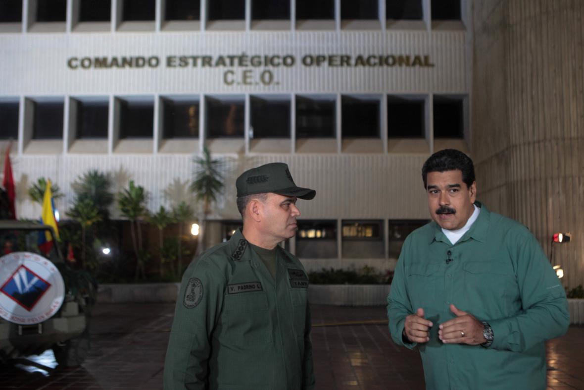 Nicolás Maduro s ministrem vnitra