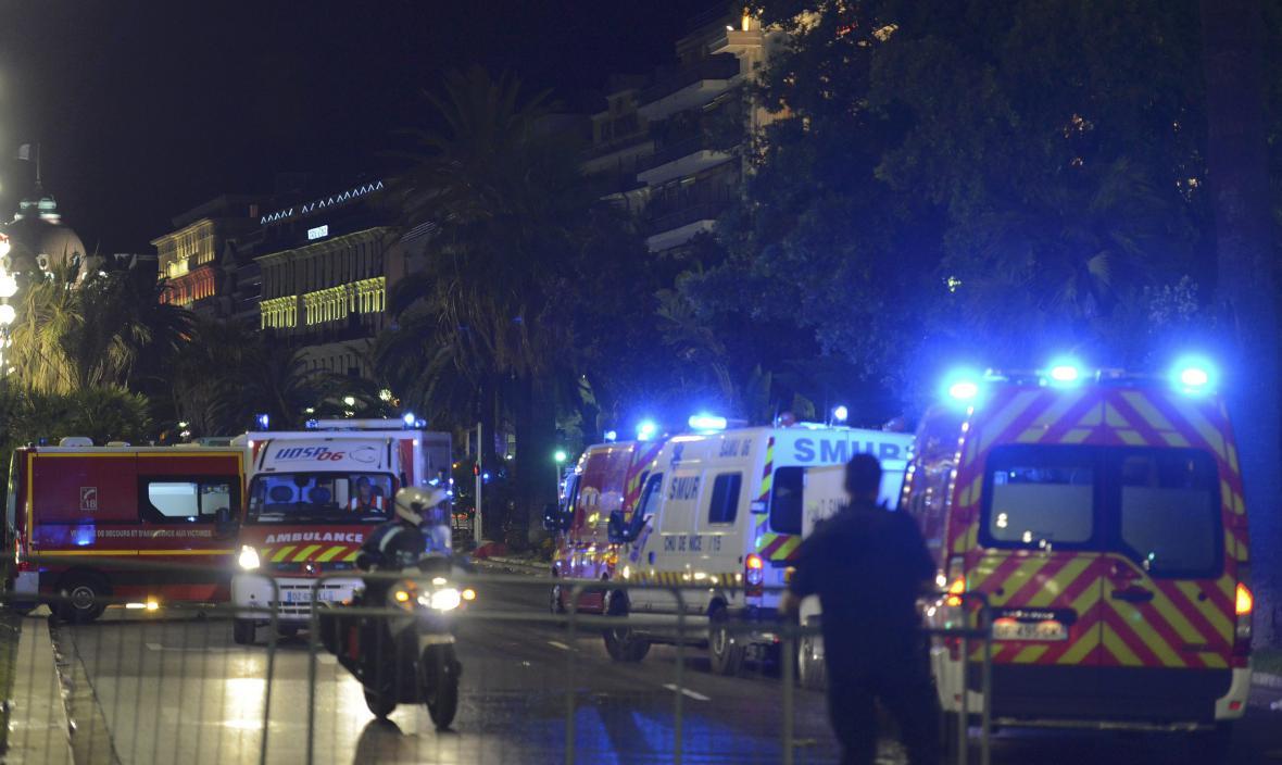 Útok na promenádě v Nice
