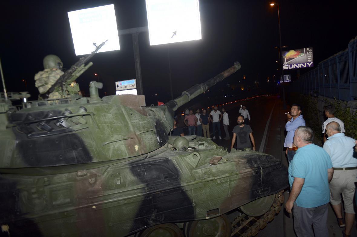 Pokus o převrat v Turecku