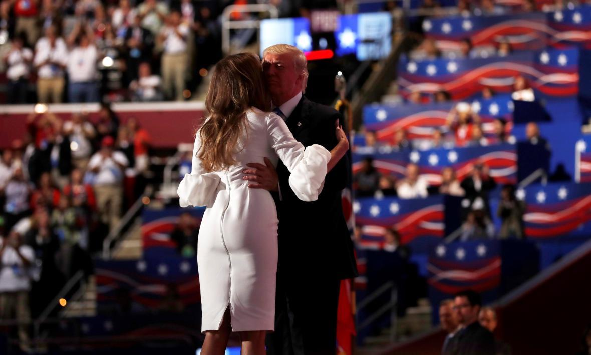 Manželé Trumpovi na republikánském sjezdu v Clevelandu