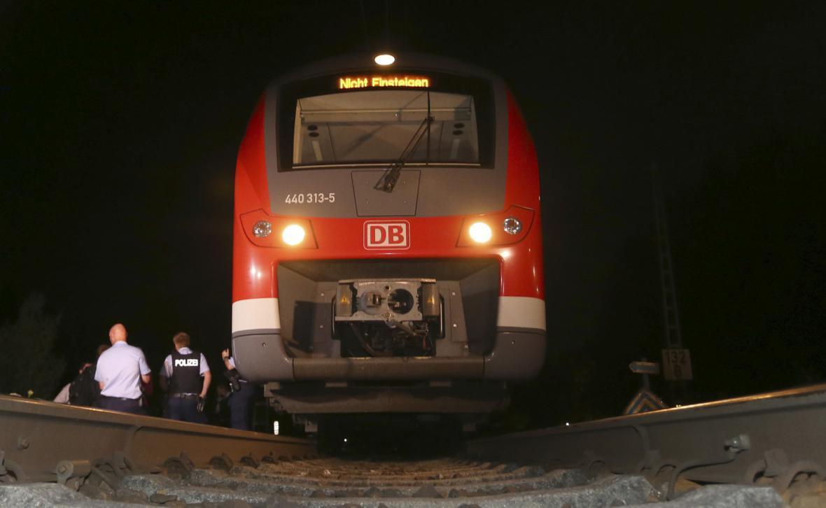 17letý Afghánec útočil v regionálním vlaku v Bavorsku