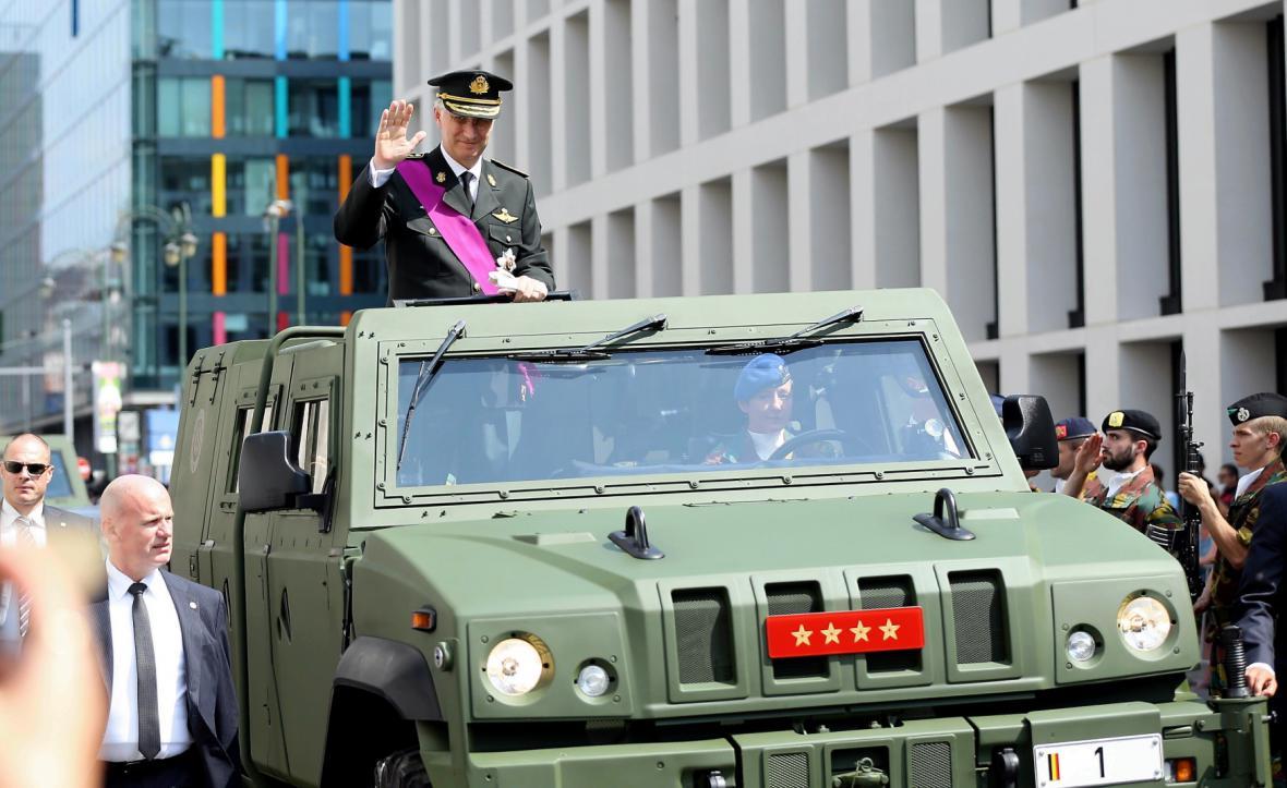 Král Filip během oslav Národního dne Belgie