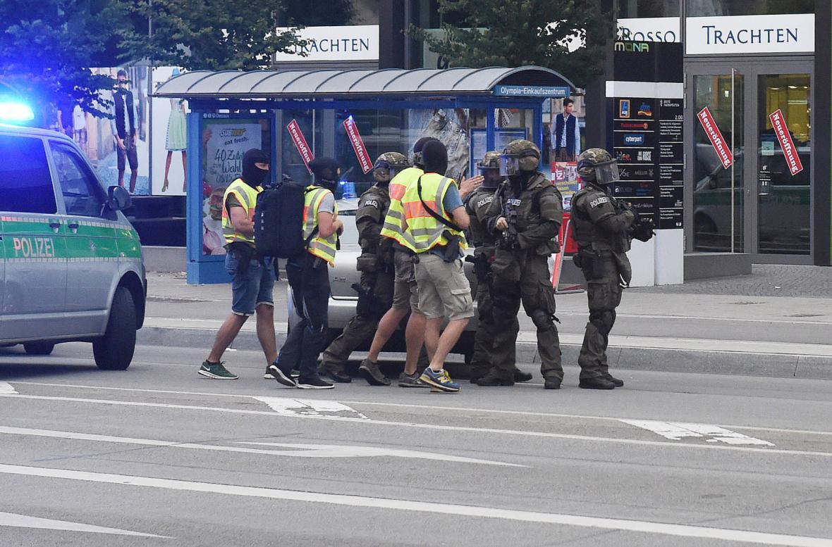 Bezpečnostní síly na místě činu