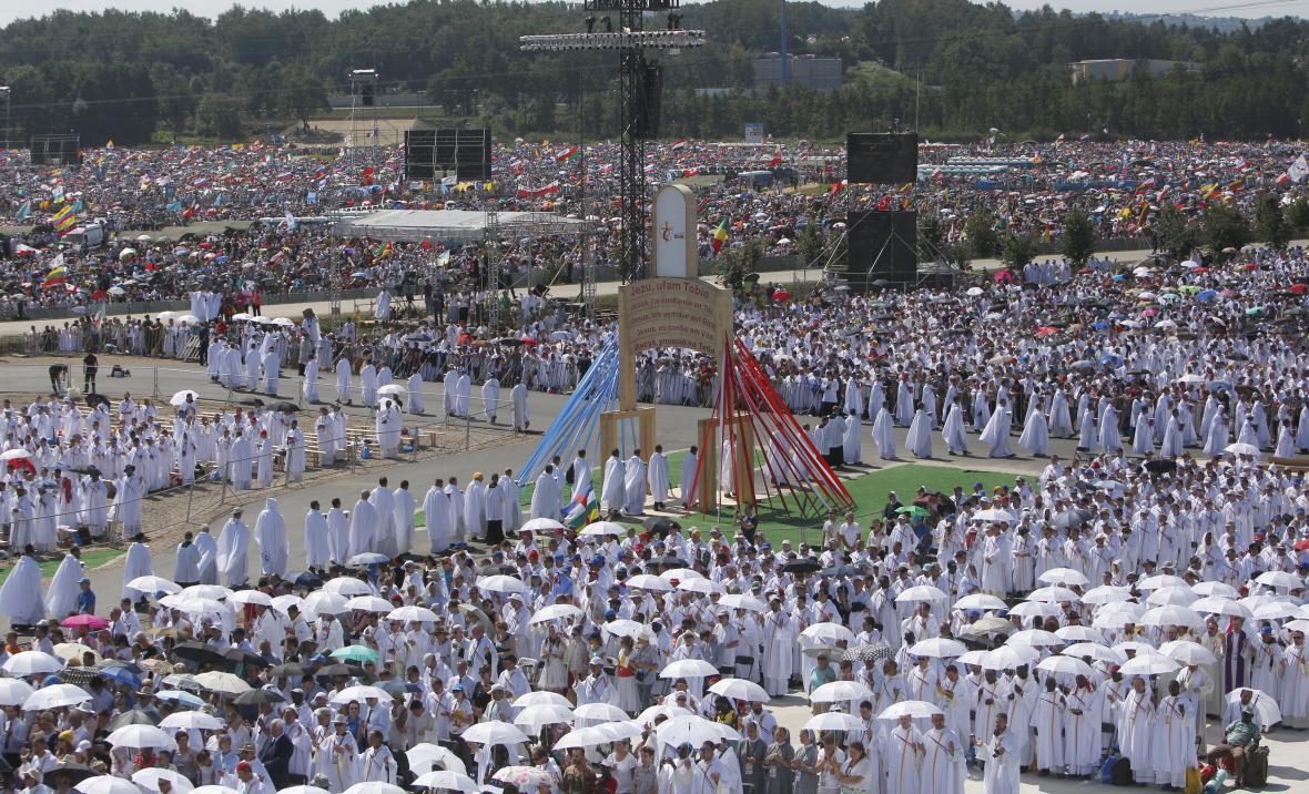 Papežovi přihlížely miliony lidí