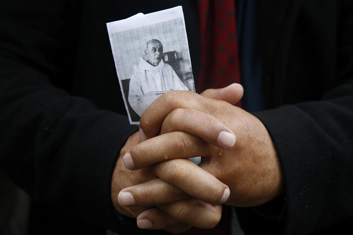 Pohřeb kněze Jacquesa Hamela