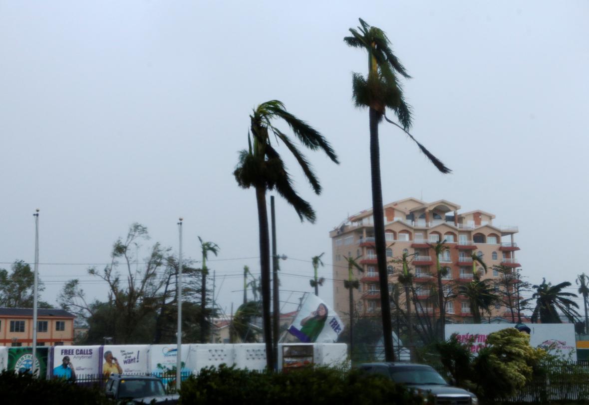 Středoamerický stát Belize zasáhl hurikán Earl