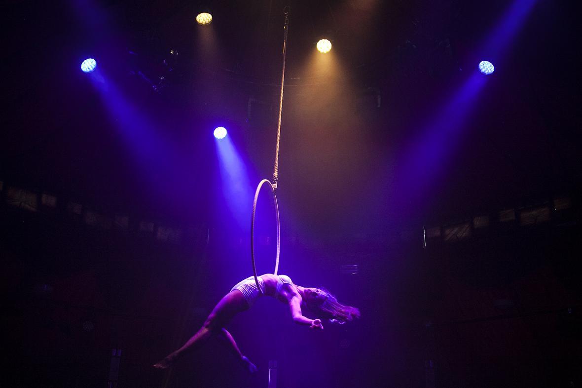 Letní Letná 2016 otevře letošní přehlídku představením akrobatického a kouzelnického souboru Limbo