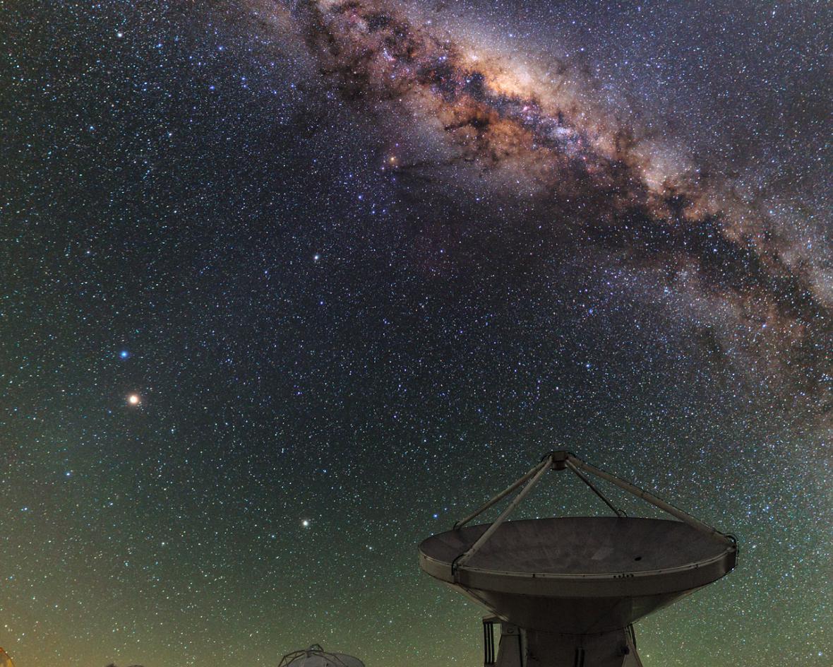 Noční obloha z ALMA