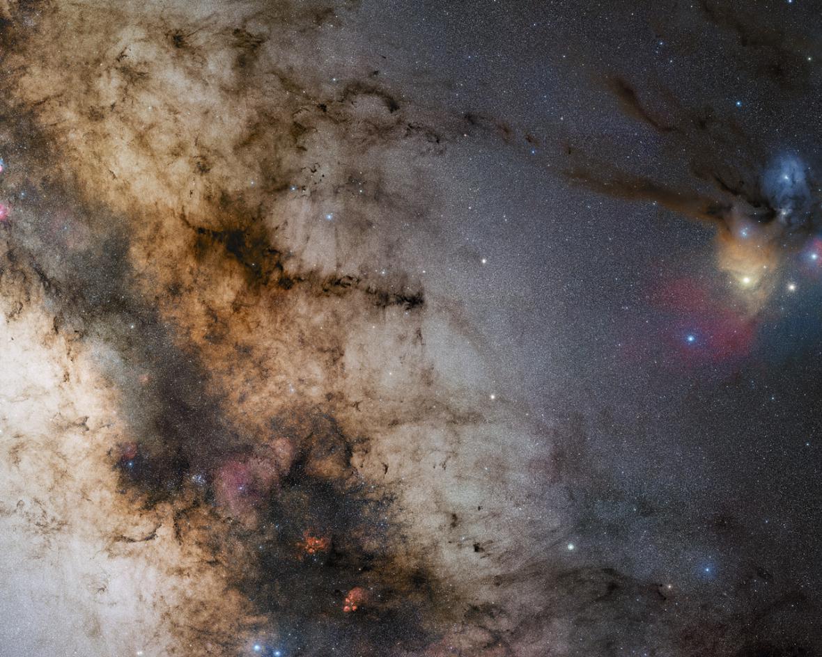 Snímek oblohy dalekohledem VLT v Paranalu