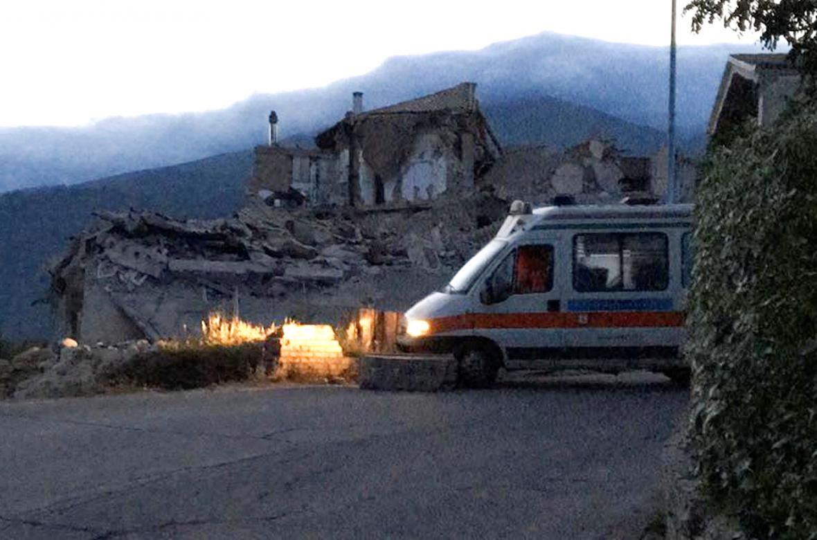 Zničený dům v městečku Amatrice