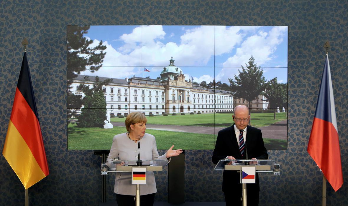 Německá kancléřka Angela Merkelová a premiér Bohuslav Sobotka