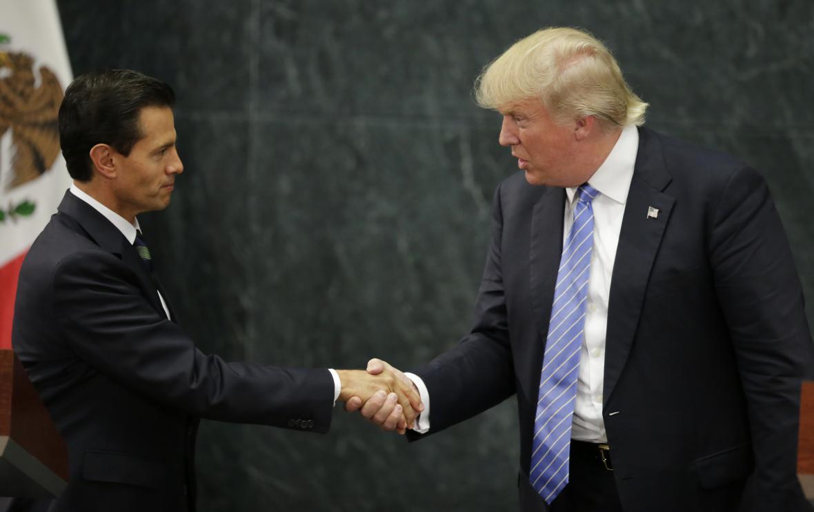 Donald Trump při setkání s prezidentem Mexika Nietou