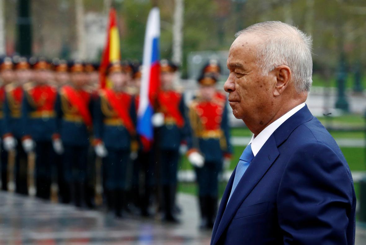 Autokratický prezident Karimov je v čele země už čtvrtstoletí