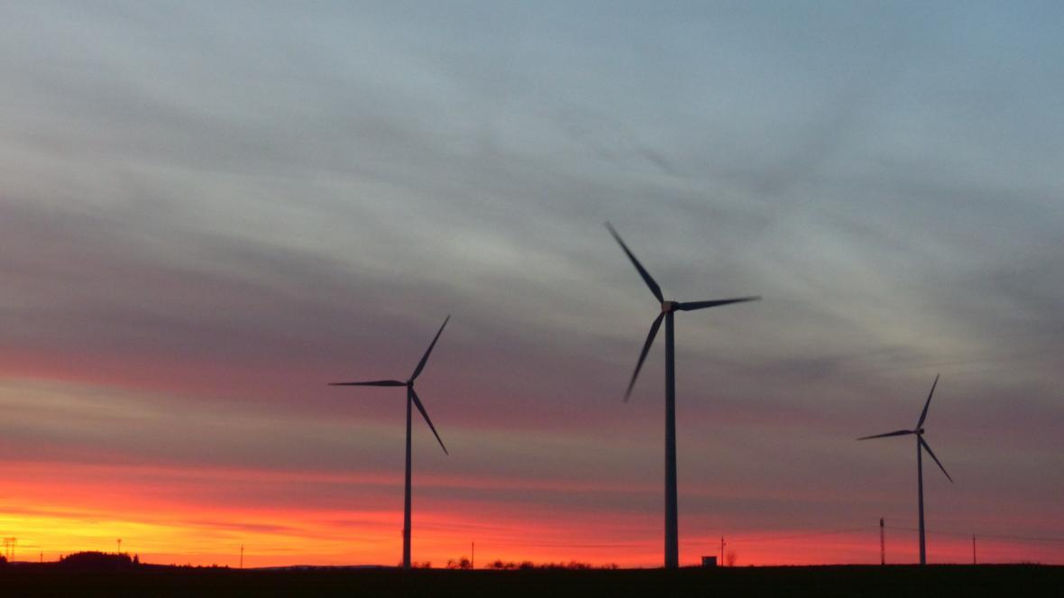 Větrné elektrárny u Pavlova