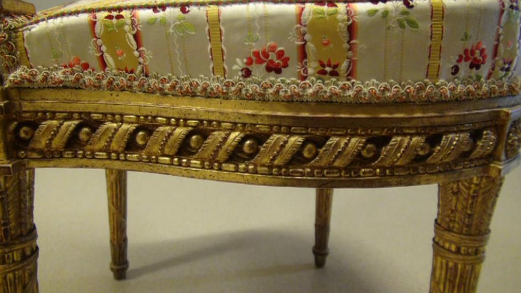 Lesk Versailles získal nepříjemnou patinu