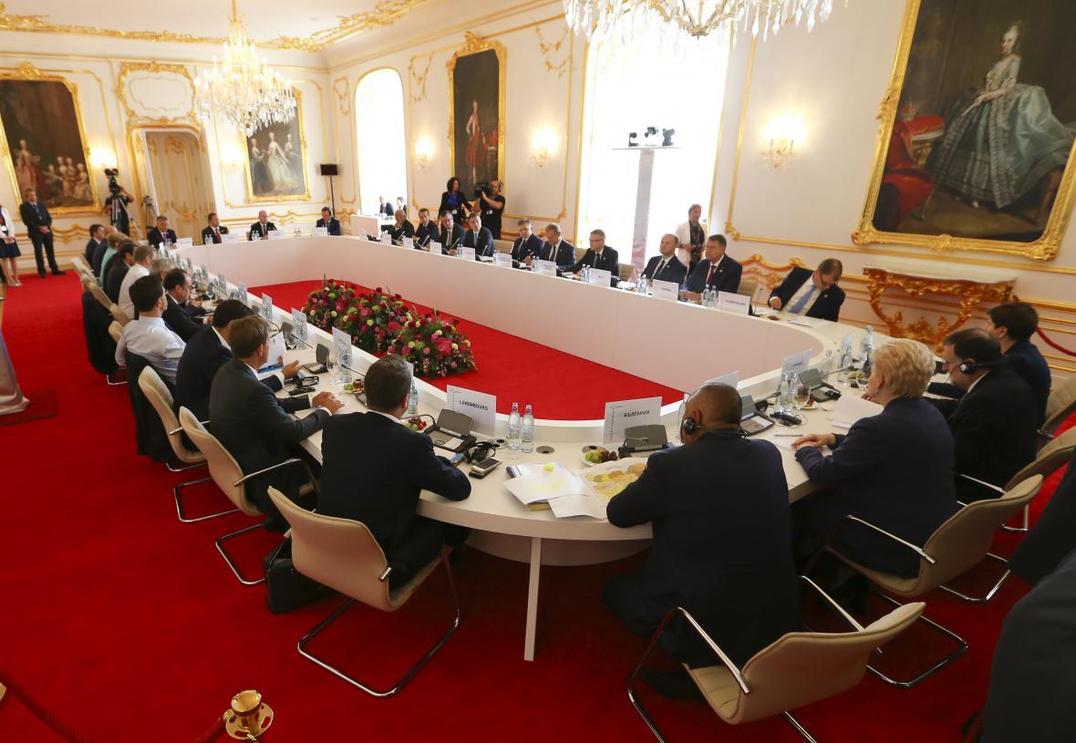 Politici na summitu EU v Bratislavě