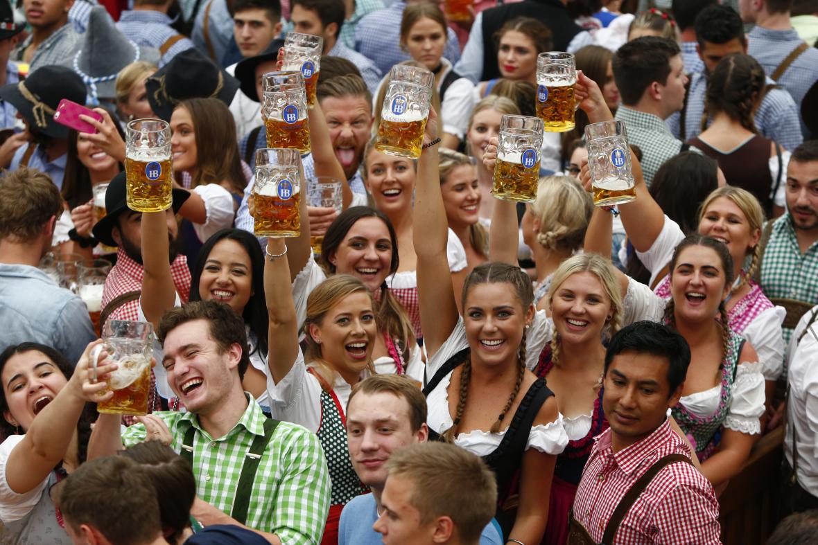 Zábava až do dna. Začal další ročník mnichovského Oktoberfestu