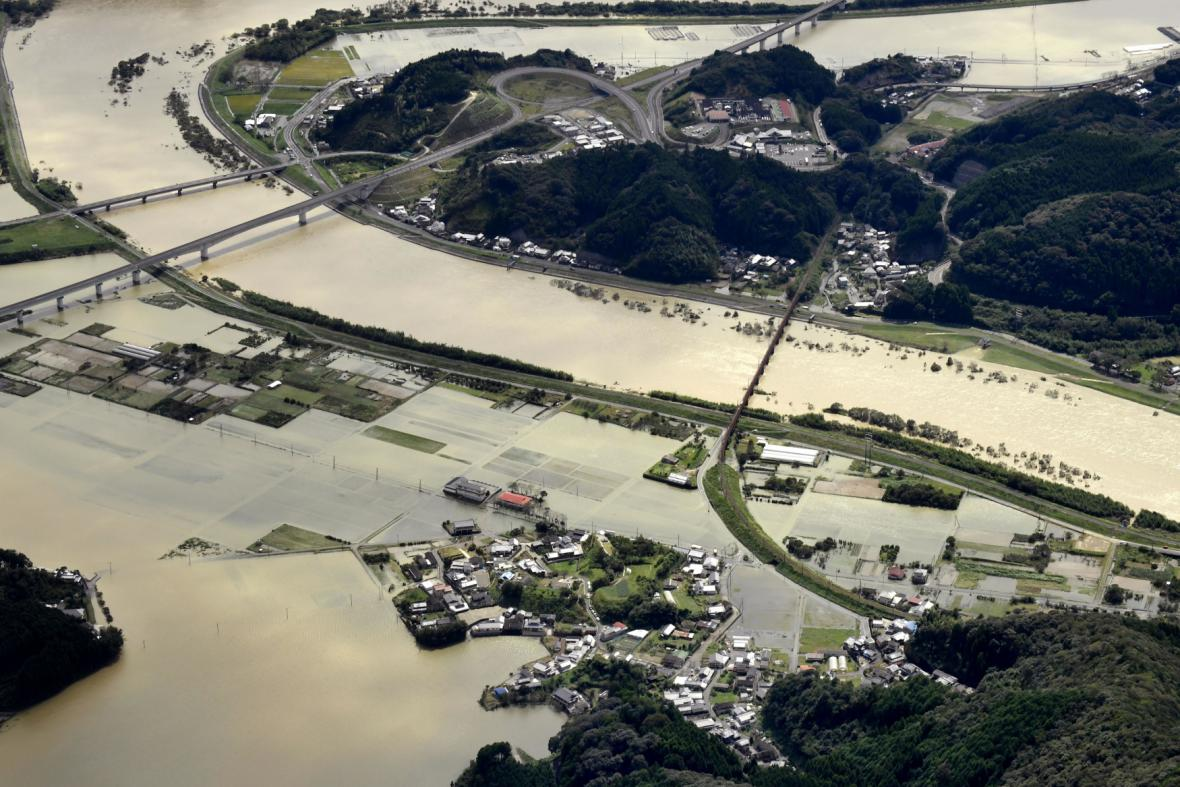 Rozsáhlé záplavy jako dohra tajfunu Malakas