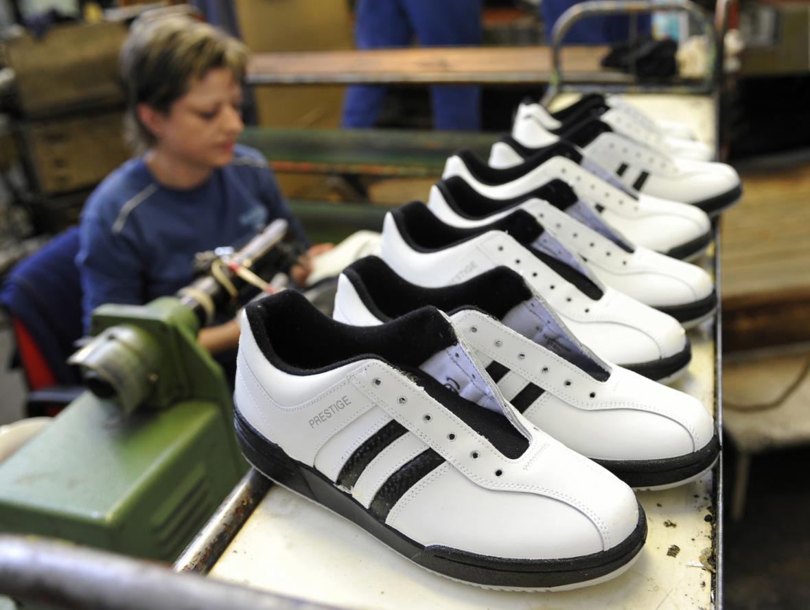 Nově otevřený obor a rostoucí mzdy v obuvnictví mladé možná přilákají