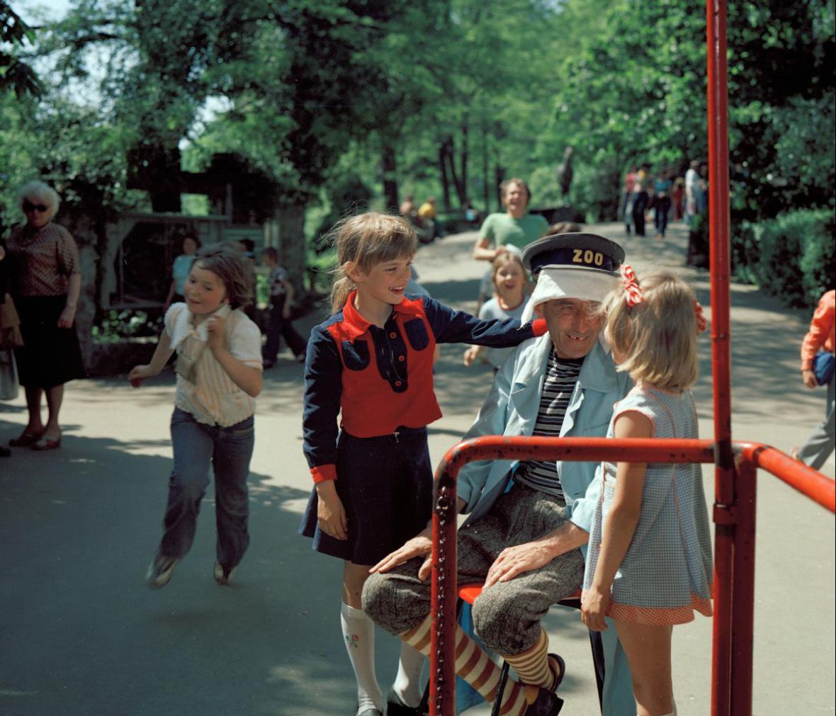Sedmidílný cyklus Zadními vrátky do ZOO za zvířátky z roku 1978