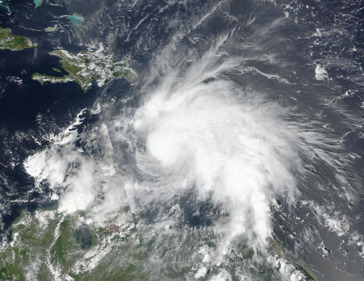 Satelitní snímek hurikánu Matthew