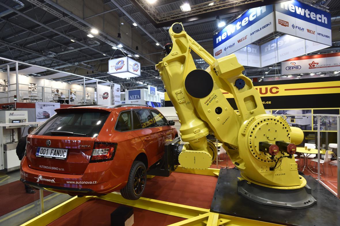 Mezi vystavované kousky patří i nejsilnější robot na světě