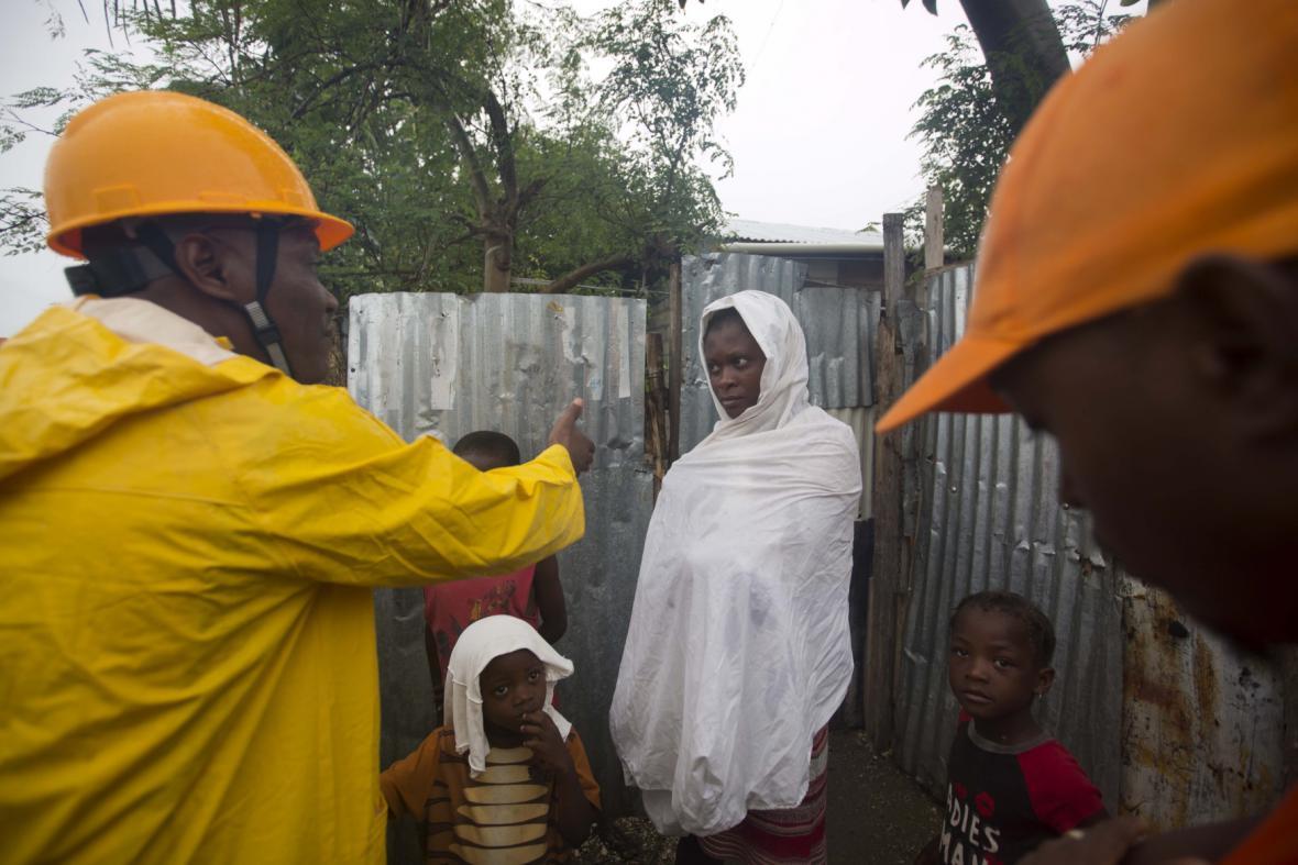 Evakuace lidí na Haiti
