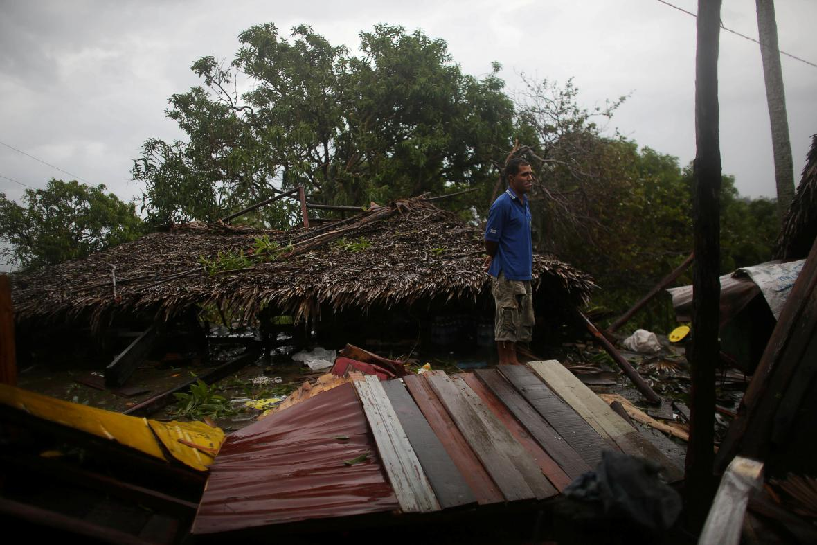 Carbonera na Kubě po hurikánu Matthew
