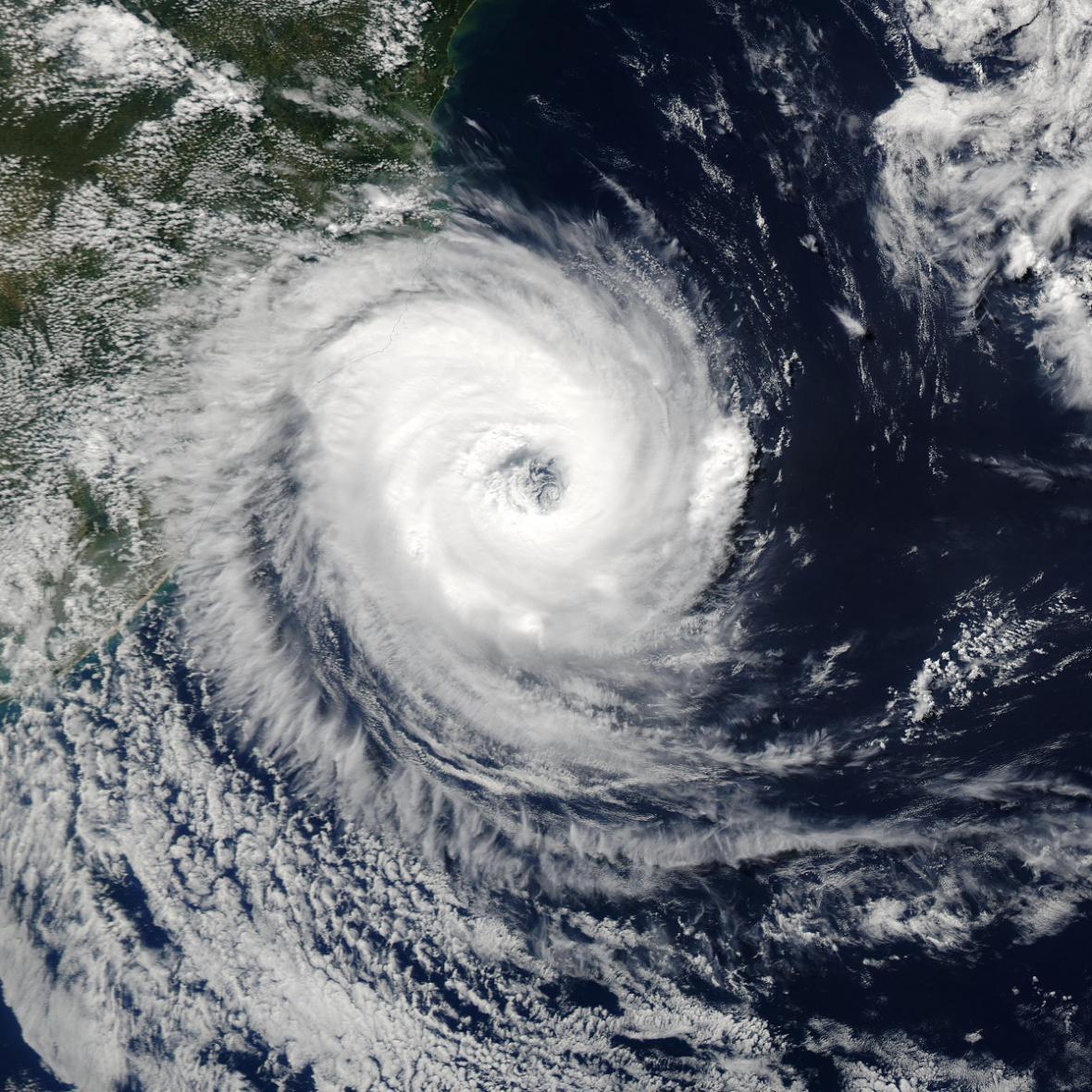 Nejsilnější hurikány na satelitních snímcích