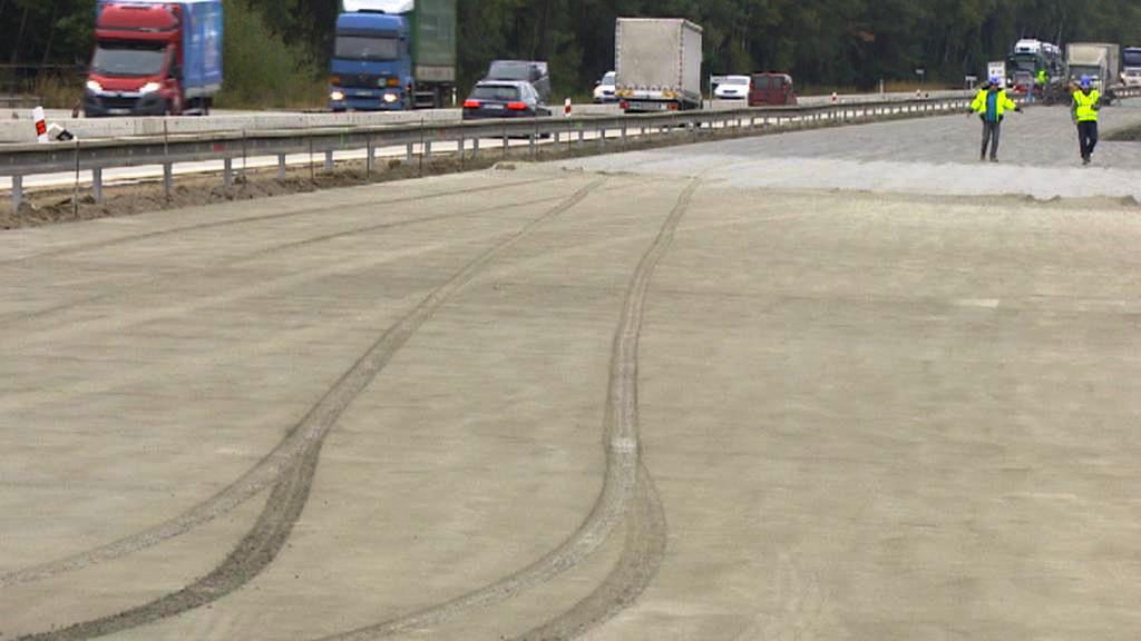Řidič poničil opravovaný úsek D1
