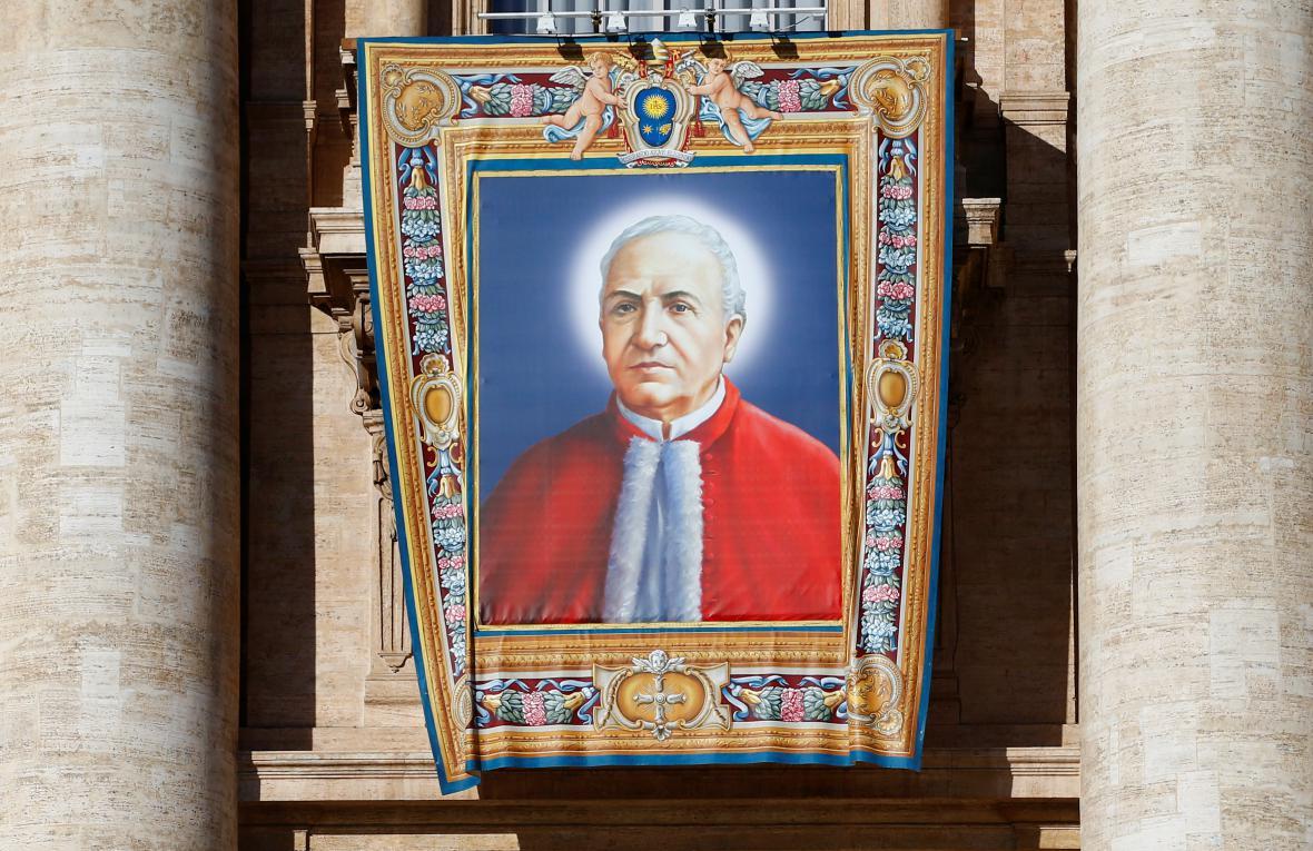 Tapiserie sedmi nově svatořečených