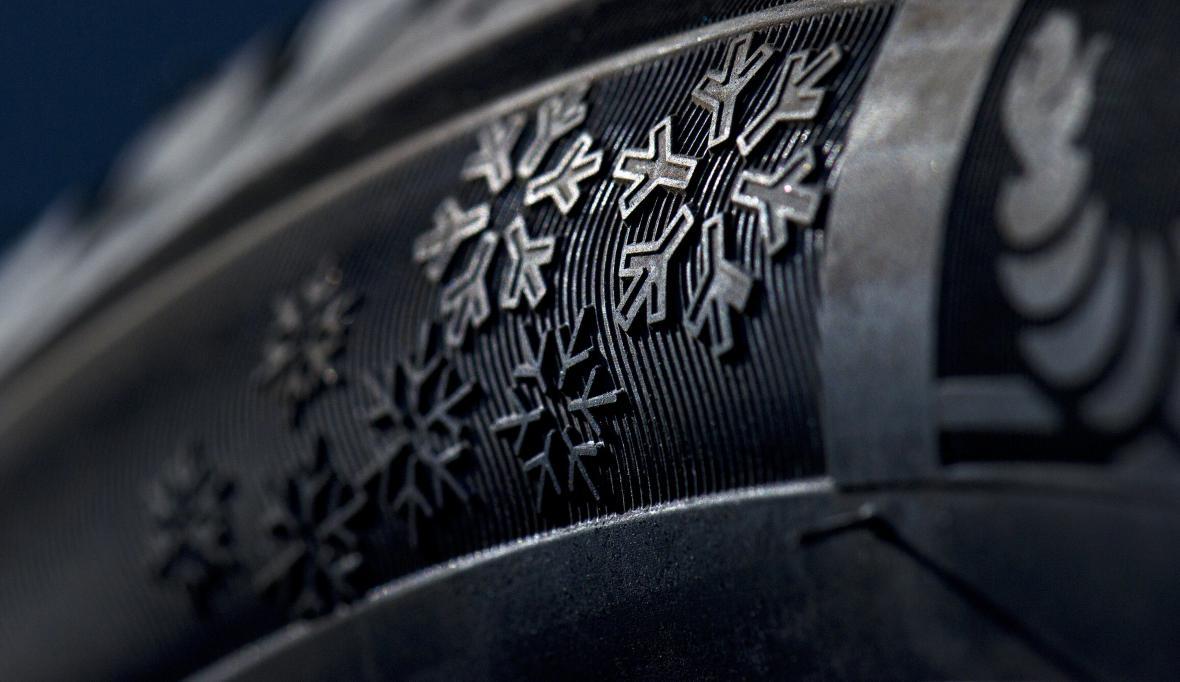 Přezutí pneumatiky trvá asi půl hodiny