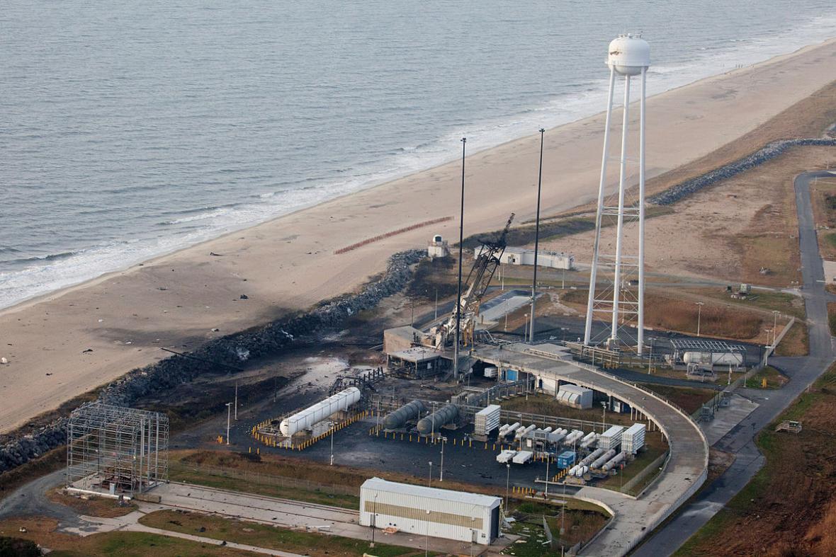 Raketa Antares - kosmodrom po nehodě při minulém pokusu o start