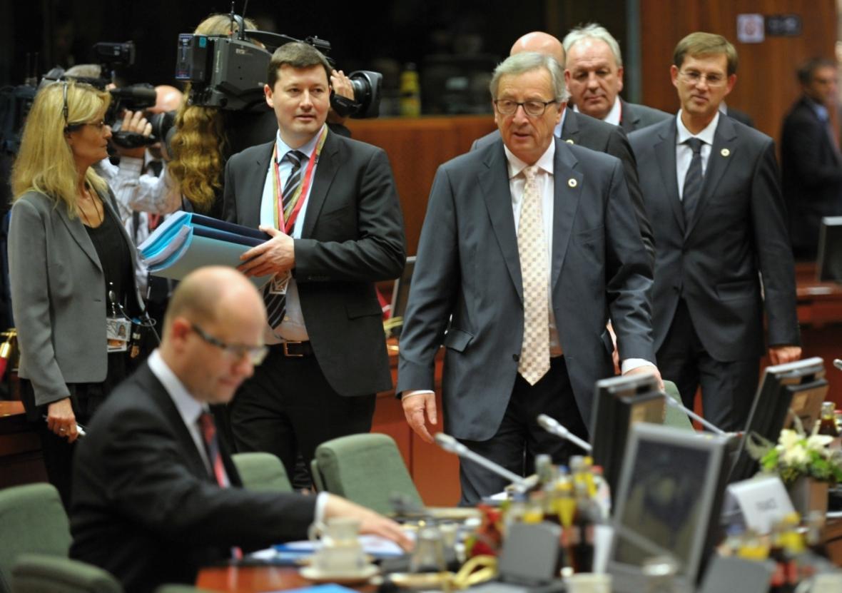 Bohuslav Sobotka (v popředí) při jednom z unijních summitů