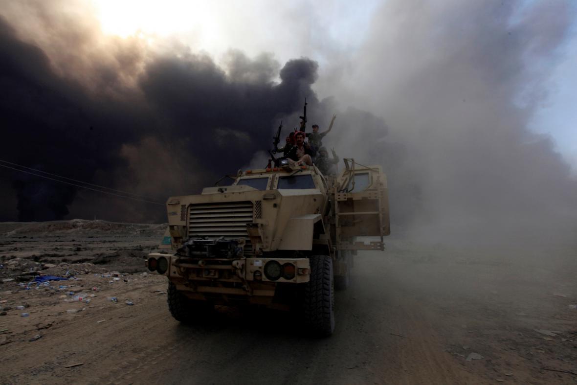 Iráčtí vojáci během tažení na Mosul