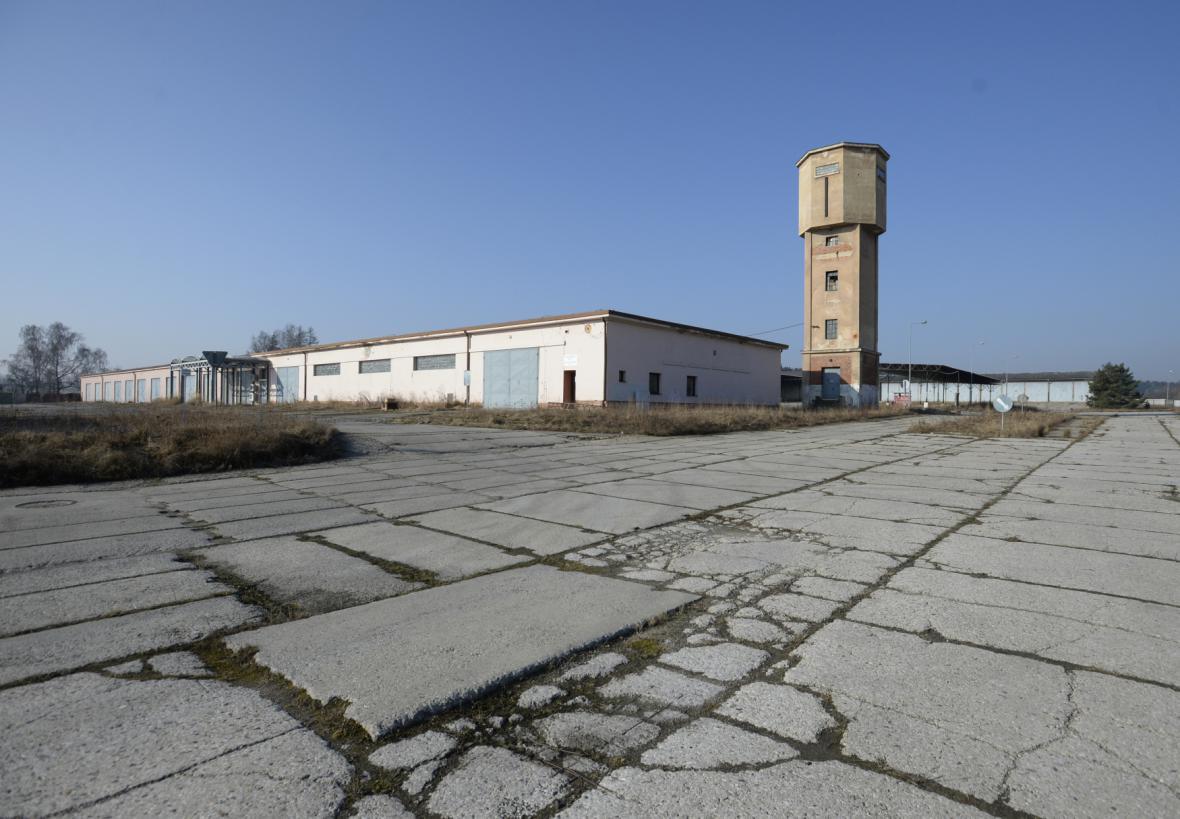 Areál rakovnických kasáren (stav z počátku roku 2015)