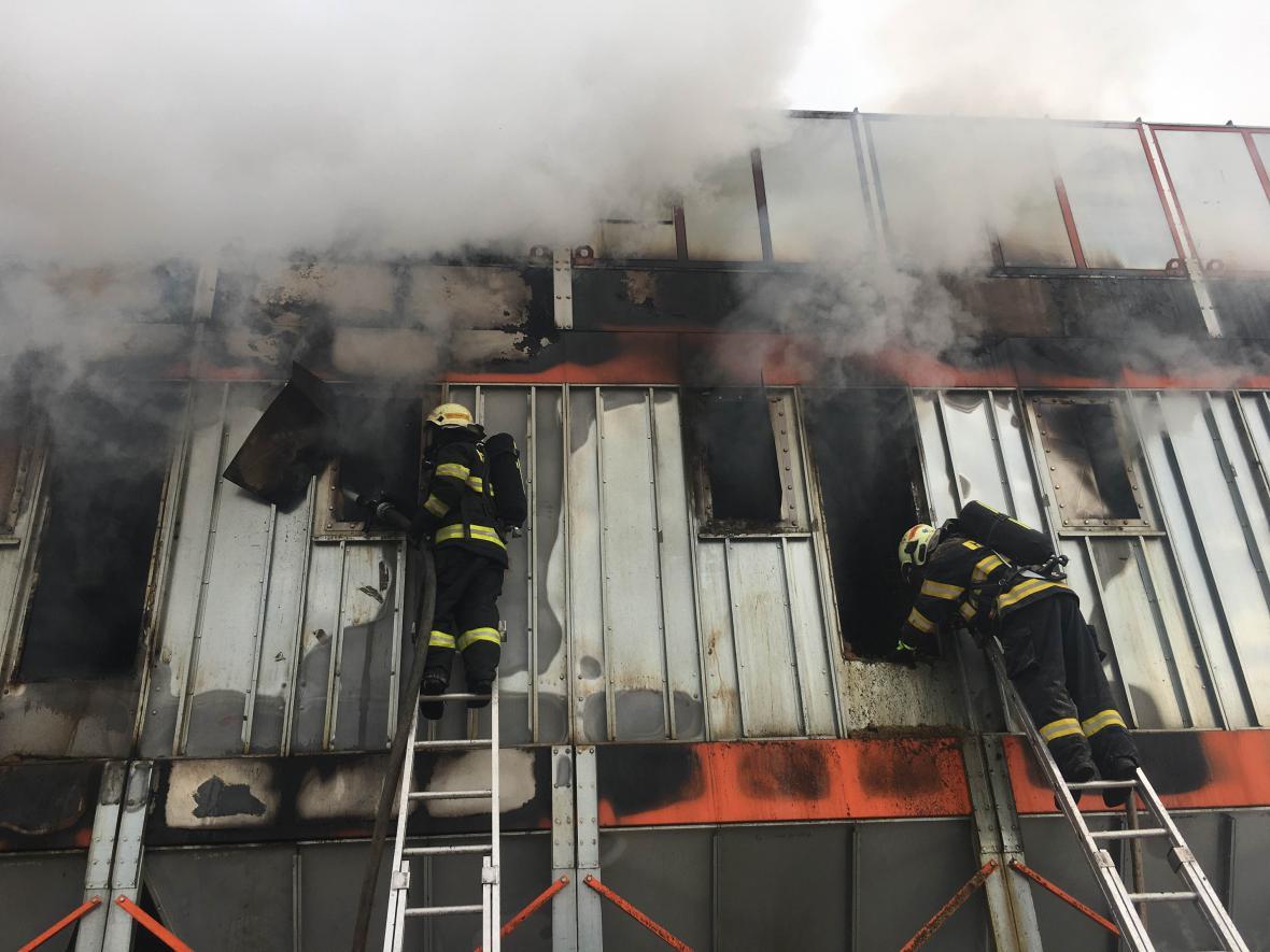 Pila hořela v Uničově