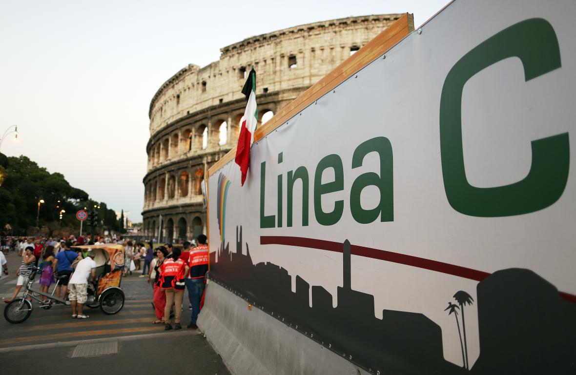 Stavební práce kvůli lince C římského metra probíhají přímo u Kolosea