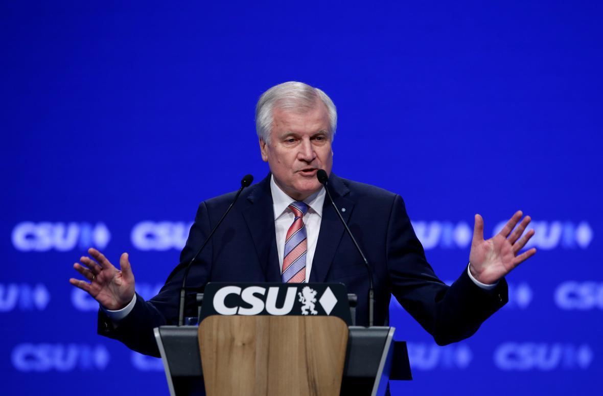 Horst Seehofer na stranickém sjezdu CSU