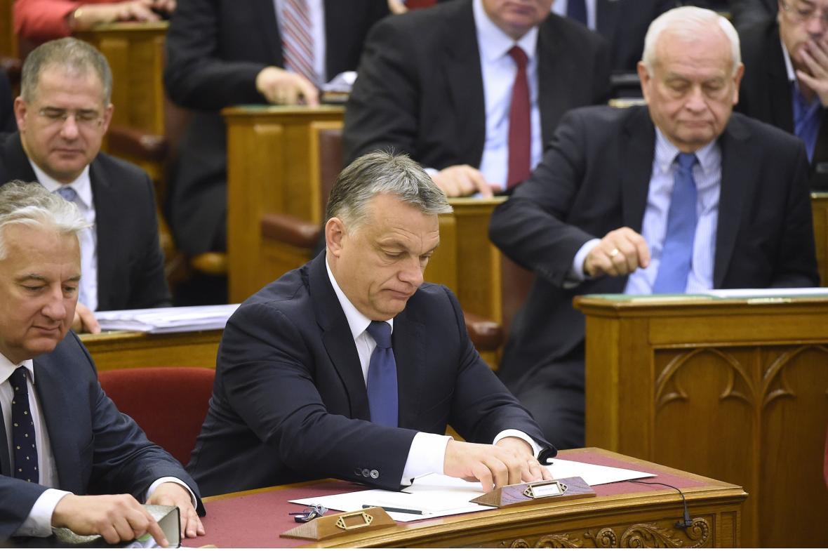 Viktor Orbán během zasedání parlamentu